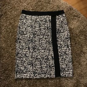 Black and white  pencil skirt...